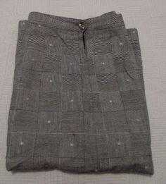 11.22$  Buy here - http://vierl.justgood.pw/vig/item.php?t=oxitpi623146 - Sassco Black Skirt, Square Pattern Design, Size 10, 100% Viscose Rayon, Lined 11.22$