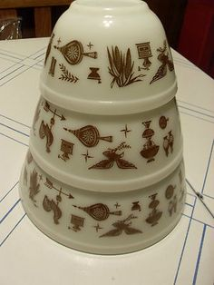 Pyrex Early American 3 Mixing Nesting Bowls