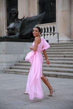 Unique Prom Dresses, Event Dresses, Ball Dresses, Short Dresses, Dress And Heels, Dress Up, Paula Ordovás, Fashion Brenda, Stylish Outfits
