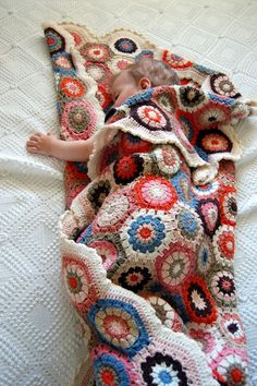 "https://flic.kr/p/9Jzz86 | baby inside | hexagon blanket made using the tutorial made by sweet <a href=""http://attic24.typepad.com/weblog/hexagon-howto.html"" rel=""nofollow"">Lucy</a> 214 hexagons that made a 160 x 110 cm blanket :)"