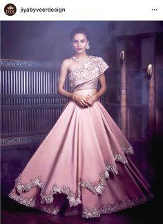 14 Best Bridal Lehenga & Bridal Wear Shops in Mumbai - Indian wedding gowns - Indian Wedding Gowns, Indian Gowns Dresses, Indian Bridal Outfits, Indian Fashion Dresses, Indian Designer Outfits, Bridal Gowns, Indian Fashion Trends, Indian Bridal Fashion, Indian Bridal Wear