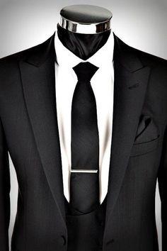 Black Tie vs. White Tie: Understanding Formalities