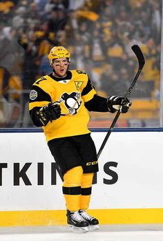 Penguins vs. Flyers - 02/25/2017 - Pittsburgh Penguins - Photos Sidney Crosby #87 of the Pittsburgh Penguins celebrates his first period goal against the Philadelphia Flyers during the 2017 Coors Light NHL Stadium Series at Heinz Field