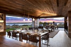 Vacation home in Montauk features effective ceiling lighting and simple lines that maximize the view.