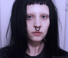 Find images and videos about piercing, eyebrows and bangs on We Heart It - the app to get lost in what you love. Shave Eyebrows, How To Draw Eyebrows, Goth Eyebrows, Grunge Goth, Grunge Hair, Gothic Hairstyles, Girl Hairstyles, Bleached Eyebrows, Aesthetic People