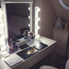table de maquillage avec lumiere  miroir ampoule maquillage  miroir lumiere  table de maquillage chambre