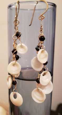 Sexy Dangling Puka Earrings, from the shores of Kauai by KuuipoDesignerJewels on Etsy Shell Choker, Shell Bracelet, Shell Earrings, Diy Earrings, Pearl Earrings, Hawaiian Jewelry, Seashell Jewelry, Gold Wire, Small Gifts