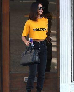 @selenagomez leaving Shamrock Social Club in Hollywood California [April 9] #SelenaGomez saliendo de Shamrock Social Club en Hollywood California [Abril 9] #Selena #Selenator #Selenators #Fans