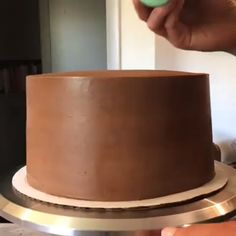 The Perfect One-Bowl Chocolate Cake Recipe - Cakes & cookies - Pastel de Tortilla One Bowl Chocolate Cake Recipe, Best Chocolate Cake, Chocolate Desserts, Chocolate Cupcakes, Food Cakes, Cupcake Cakes, Sweet Recipes, Cake Recipes, Dessert Recipes