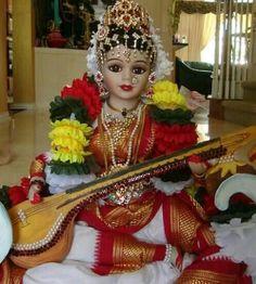 Porcelain statue of Goddess Saraswathi Saraswati Goddess, Shiva Shakti, Saraswathi Devi, Lord Murugan, Flower Rangoli, Indian Dolls, Indian Festivals, God Pictures, Gods And Goddesses