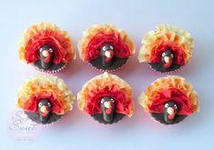 Turkey Fondant Cupcakes for Thanksgiving by Angela Tran of Sugar Sweet Cakes & Treats | Satin Ice