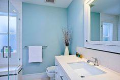 High Quality Bright Blue And White Bathroom Decor