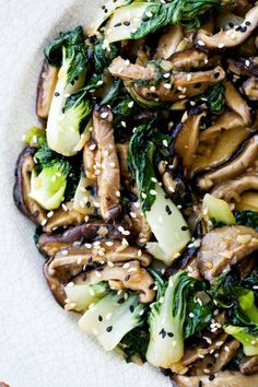 Asian-Style Shiitake Mushrooms and Baby Bok Choy - Dinner Eatery Asian Recipes, Whole Food Recipes, Vegetarian Recipes, Cooking Recipes, Healthy Recipes, Clean Eating, Healthy Eating, Vegetable Dishes, I Love Food