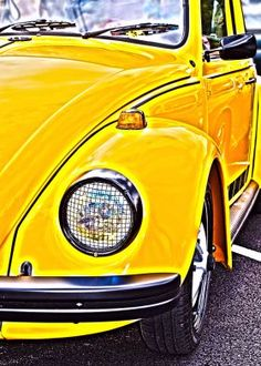 Helmut krone vw beetle campaign 1960s ddb ny campaigns yellow vw beetle fandeluxe Images