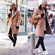 """""""CAMEL COAT  !! FOR SALE! Text me via DM or via mail. Only serious inquiries please ."""""""