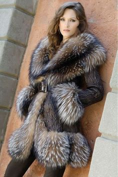fur fashion directory is a online fur fashion magazine with links and resources related to furs and fashion. furfashionguide is the largest fur fashion directory online, with links to fur fashion shop stores, fur coat market and fur jacket sale. Fur Fashion, Fashion Photo, Winter Fashion, Womens Fashion, Lila Outfits, Estilo Cowgirl, Looks Style, My Style, Fabulous Furs