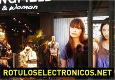 Algunas de nuestras instalaciones de pantalla led para tiendas y comercios. #pantallaLed #escaparate - Contenido seleccionado con la ayuda de http://r4s.to/r4s
