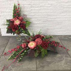 Funeral Sprays, Grave Decorations, Ikebana, Floral Arrangements, Christmas Wreaths, Floral Wreath, Planters, Holiday Decor, Flowers