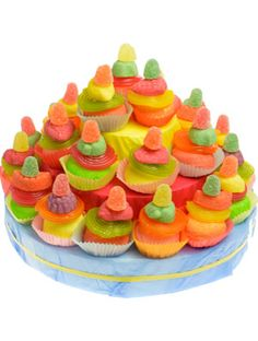 Kidsfeestje Traktatietaart petit fours pers. Candy Pop, Cupcakes, High Tea, Confetti, Treats, Sweet Ideas, Desserts, Food, School