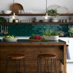 Duvarlarınızı Güzelleştirecek Niş Modelleri-50 Adet   Evde Mimar White Galley Kitchens, Galley Kitchen Design, Galley Kitchen Remodel, Open Kitchens, Kitchen Wall Shelves, White Kitchen Cabinets, Kitchen Backsplash, Backsplash Ideas, Gray Cabinets