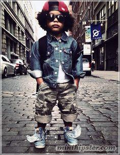 Street Style Kids   http://www.falardemoda.com.br/artigos-de-moda/337/street-style-kids-boys.html