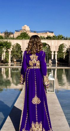 Morrocan Kaftan, Moroccan Dress, Kaftan Abaya, Caftan Dress, Hijab Fashion, Boho Fashion, Fashion Outfits, Arabic Dress, Traditional Gowns