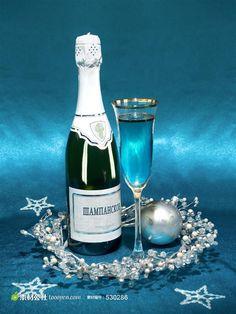 香槟酒和高脚酒杯图片素材