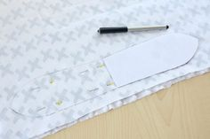 DIY: Bijtring - My Simply Special Shibori, Little Presents, Baby Sewing, Diys, Wallet, Janus, Couture, Diy Clutch, Bebe