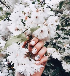 Trending and Super Elegant Nail Designs Elegant Nail Designs, Best Nail Art Designs, Elegant Nails, Fall Nail Designs, Nailart, Queen Nails, Oval Nails, Hair Skin Nails, Gorgeous Nails