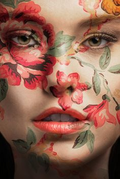 Tiffany – Steven Markham on Fstoppers What is Makeup ? What is Makeup ? Generally speaking, what's makeup ? Face Painting Flowers, Face Painting Designs, Maquillage Halloween, Halloween Makeup, Kreative Portraits, Flower Makeup, Fairy Makeup, Mermaid Makeup, Fantasy Make Up