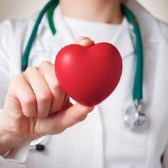 Bluthochdruck ist eine Volkskrankheit: Rund 50 Prozent aller Europäer sollen von der Gefäßerkrankung betroffen sein. Wir geben euch die wichtigsten Infos zu Ursachen, Symptomen und Behandlung.