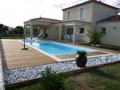 Inspirations déco: Piscines extérieures | CHEZ SOI © Photo via Karine Devriendt #deco #exterieur #piscine #terrasse