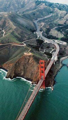 Golden Gate Bridge - San Francisco, California USA Looking north. San Francisco City, San Francisco Travel, San Francisco California, California Travel, Puente Golden Gate, Places To Travel, Places To Visit, Voyage Usa, Ville New York