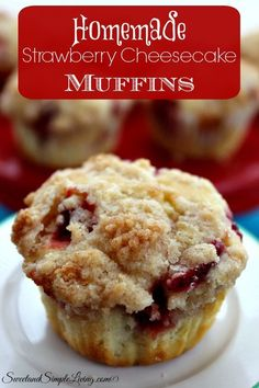 Best Ever French Toast Muffins It's a snack, it's breakfast, it's a dessert. These Best Ever French Toast Muffins are great for any time of the day. Strawberry Cheesecake Muffin Recipe, Cheesecake Recipes, Strawberry Muffins Healthy, Homemade Cheesecake, Raspberry Cheesecake, Oreo Cheesecake, Pumpkin Cheesecake, Homemade Muffins, Homemade Sweets
