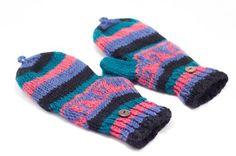 剛剛逛 Pinkoi,看到這個推薦給你:情人節禮物 限量一件針織純羊毛保暖手套 / 2ways手套 / 露趾手套 / 內刷毛手套- 東歐色彩民族風 - https://www.pinkoi.com/product/1pSafcJV