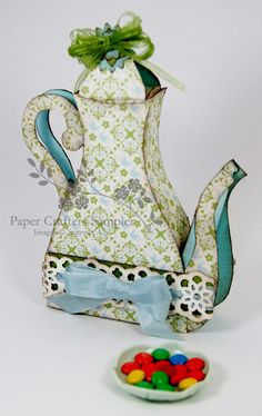 I am now officially going to start collecting beautiful and unusual teapots, just like my grandma.....So gorgeous!