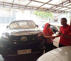 Terima kasih atas kepercayaan Keluarga Ibu Yunti yang telah melakukan pembelian 1 unit Toyota Fortuner VRZ TRD melalui ToyotaSemarang.com Semoga berkah untuk keluarga… amiin… #ToyotaFortuner #ToyotaSemarang #toyotasemarangdotcom Cek Harga Toyota...