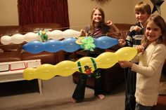 Housingaforest.com - Lots of great art activities, party ideas, and experiments for kids