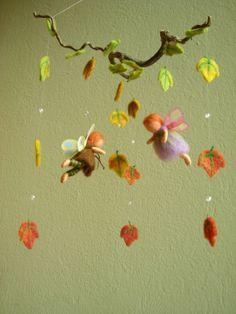 Little Elves Mobile Cheri Forsythe onto Kids Rooms Diy Arts And Crafts, Felt Crafts, Crafts For Kids, Diy Crafts, Mobiles, Material Didático, Baby Mobile, Felt Fairy, Nature Table