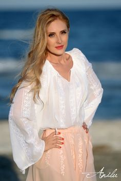IE TRADITIONALA ROMANEASCA - Motivul Puritate Amazing Outfits, Cool Outfits, Shoe Nails, Folk Embroidery, Peasant Blouse, Summer Time, Lace Skirt, Fashion Dresses, Birds