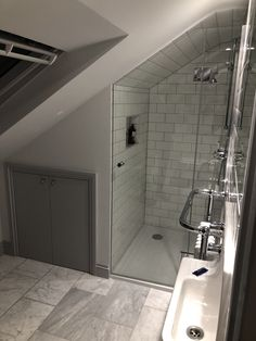 Discover recipes, home ideas, style inspiration and other ideas to try. Attic Shower, Small Attic Bathroom, Small Shower Room, Tiny Bathrooms, Upstairs Bathrooms, Loft Ensuite, Loft Bathroom, Tiny House Bathroom, Bathroom Layout