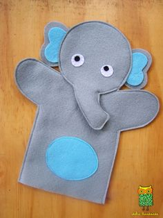 elephant puppet making from felt - Stofftiere Glove Puppets, Felt Puppets, Puppets For Kids, Felt Finger Puppets, Animal Hand Puppets, Puppet Patterns, Doll Patterns, Puppet Making, Operation Christmas Child