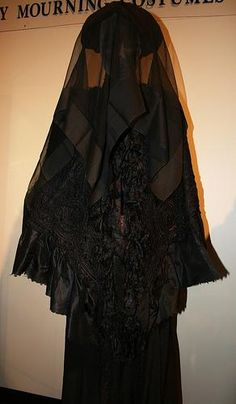 Mourning wear at the National Museum of Funeral History
