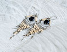 i have a pair that resembles these. mine have different colored stones