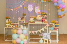 Festa infantil: Tendência para festas infantis: Mesa transparente com balões! | CLAUDIA Birthday Candy, Diy Birthday, Birthday Parties, Happy Birthday, Birthday Decorations, Baby Shower Decorations, Festa Baby Alive, Ben Y Holly, Birthday Party Design