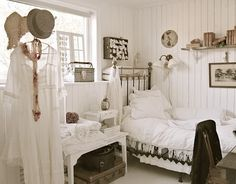 Shabby Chic French Rustic bedroom decor Idea