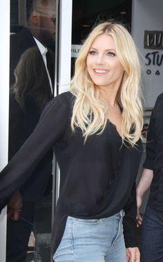 Grey Blonde Hair, Blonde Women, Katheryn Winnick Vikings, World Most Beautiful Woman, Female Stars, Erotic Photography, Foto Pose, Belleza Natural, American Women