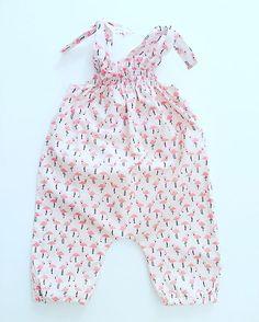 Las fotos no hacen justicia a lo bonita que es esta tela. Jumpsuit de flamencos listo! #flamencos #conjuntadas #hechoamano #hechoamanoconamor #kidsfashion #telas #cottonfabric #instablog #cottonfabrics  #bebe #bebes2016 #ropadeverano #summerclothes #summertime #bebeniña #complementos #boniteces #flamingos #niña  #kidsfashion #telas #cottonfabric #cottonfabrics #cubrepañal #mamapulpo  #bebes2015 #ropadeverano #culottes #summerclothes #bebemolon #mamimolona #summertime #sewinglove…