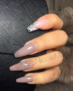 LOVE mylar glitter flake ❤ Silver mylar glitter flake + Taupe cool tone nude Long Coffin Nails. Elegant. #nail #nailart Shattered Glass Nails