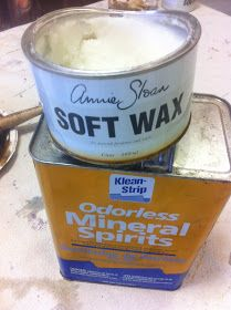 Furniture Waxing Tip - mix paste wax and mineral spirits to create an easy-to-use wax that spreads evenly - via Maison Decor: Painting fabric on chairs and random stuff